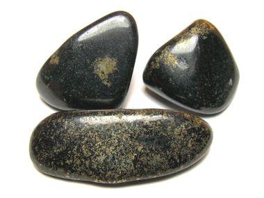 heilsteinwelt jade schwarz trommelstein lemurian heilsteine kaufen edelsteine. Black Bedroom Furniture Sets. Home Design Ideas