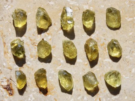 Meteorit Pallasit Jepara Olivin Kristall (groß)