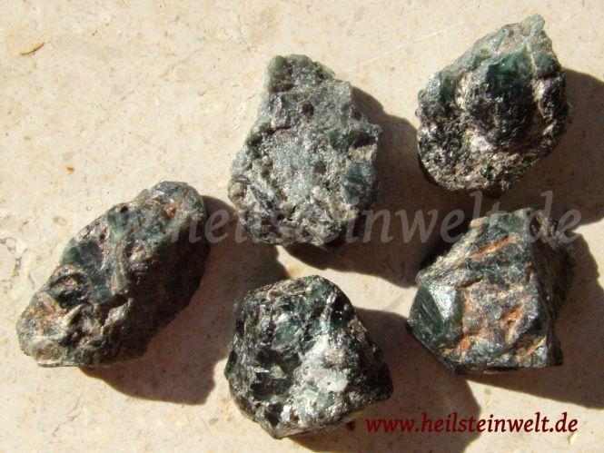 heilsteinwelt alexandrit kleine kristalle auf muttergestein heilsteine welt kaufen. Black Bedroom Furniture Sets. Home Design Ideas