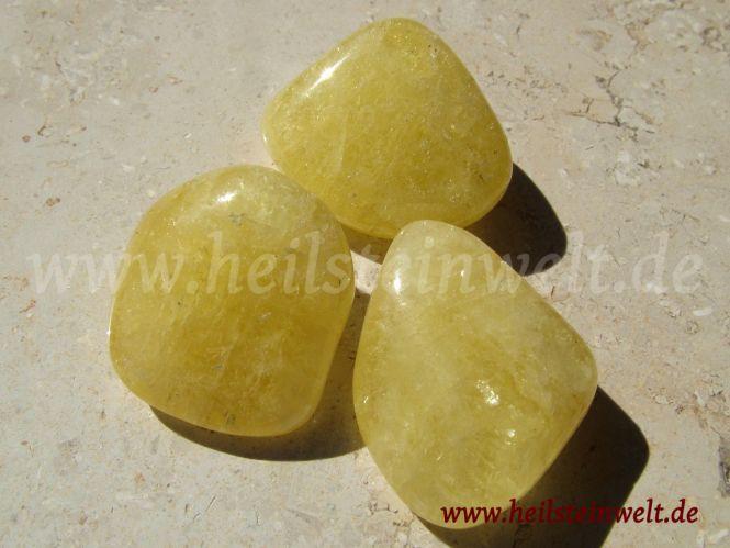 heilsteinwelt danburit gelb trommelstein gelbe heilsteine kaufen edelsteine trommelsteine. Black Bedroom Furniture Sets. Home Design Ideas